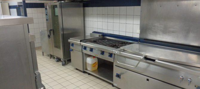 Dans les coulisses des cuisines du collège