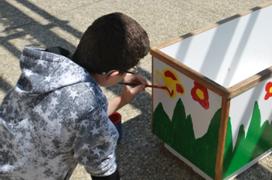 Šolski ekovrt omogoča vsem učencem neposreden stik z naravo, spremljanje rasti in razvoja živih bitij ter skrb za njih