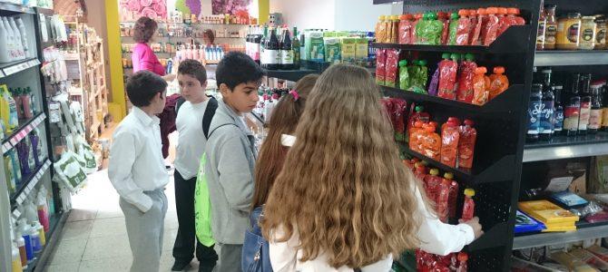Επίσκεψη μαθητών του Δημοτικού Κουκλιών σε κατάστημα βιολογικών προϊόντων