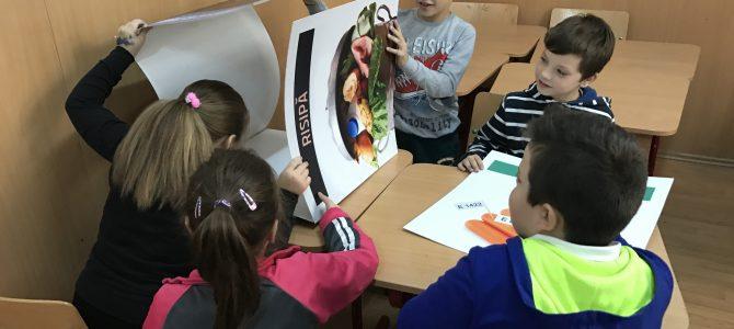 """Expoziția """"Un nor de alimente""""  la Școala Gimnazială """"Căpitan Aviator Mircea T. Bădulescu"""" Buzău"""
