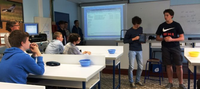 Lycée des Andaines : 5 élèves de 1S présentent leur application aux élèves de seconde !
